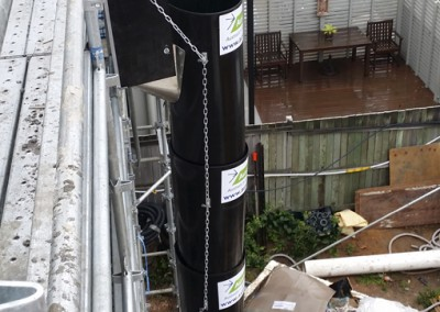Aussie_builders_chute_scaffolding_apartment_construction_0915