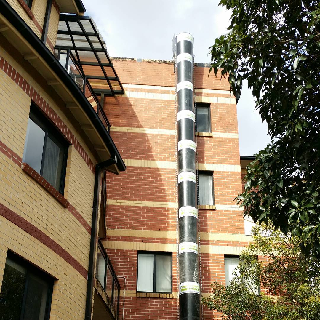 Roofing removal in Sydney #aussiechutes #topdumphopper